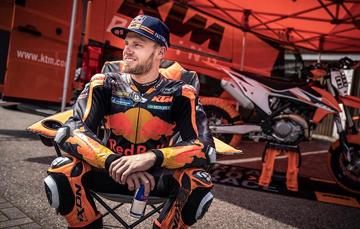 Ein Tag auf der Trainings-Rennstrecke mit Brad Binder und seiner KTM 450 SMR 2021
